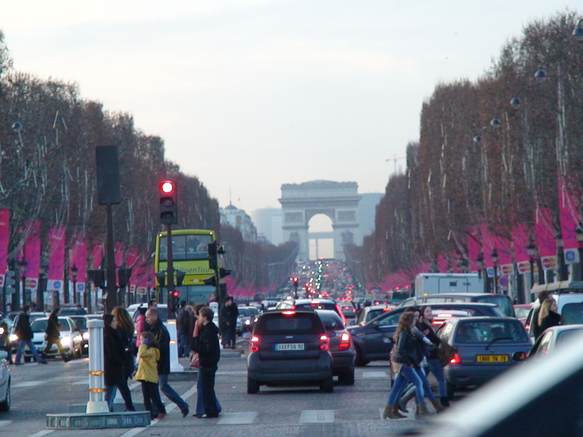 You are browsing images from the article: The Avenue des Champs-Élysées