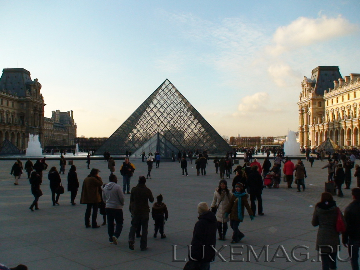 You are browsing images from the article: Egypt in Paris – the Secrets of Black Earth