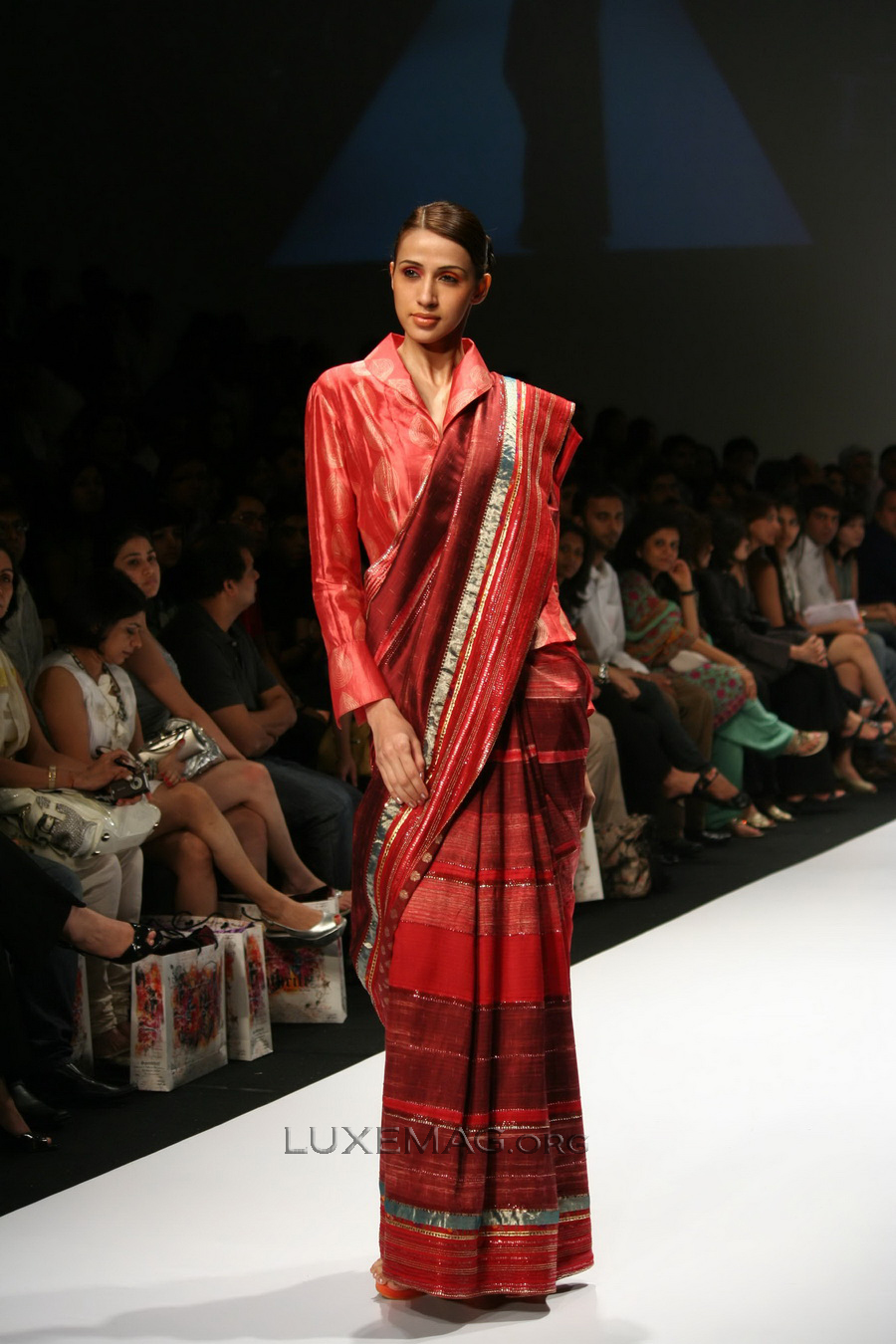 You are browsing images from the article: Indian Clothing