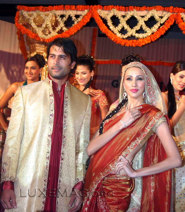 You are browsing images from the article: Indian Bridal Wear